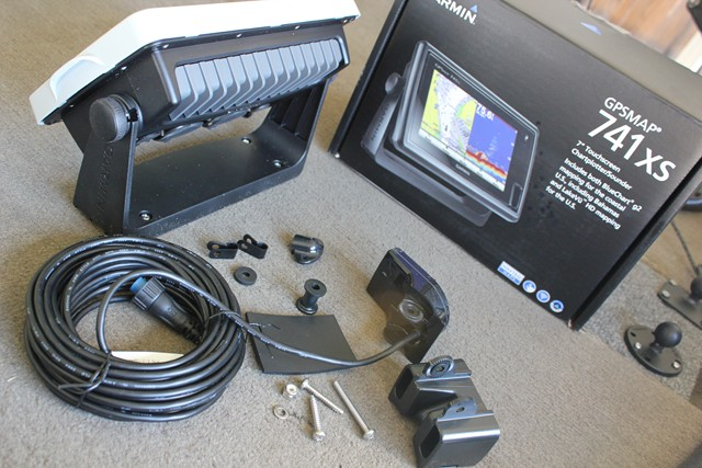 Mounting And Installing The Premier Pinch To Zoom Touchscreen Garmin GPSMAP 741xs